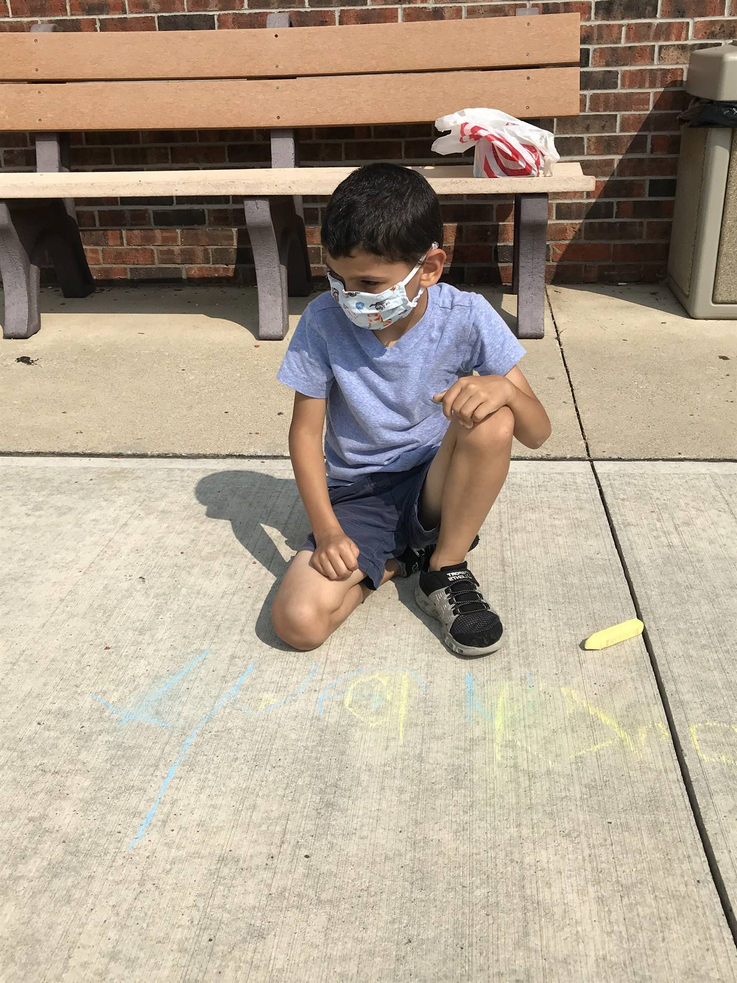 Early Childhood PTA Chalks Sidewalk at Police Station